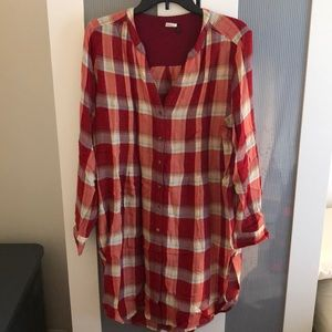 Anthro Akemi and Kin Lucy Red Flannel Tunic Sz L
